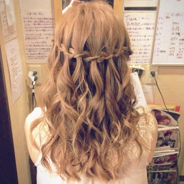 Miho On Instagram Today S Hair Hairset ヘアアレンジ ハーフアップ 編み込み 三つ編み ウォーターフォール ゆる巻き ルーズ バーバラena Haar Styling Frisuren Geflochtene Haare