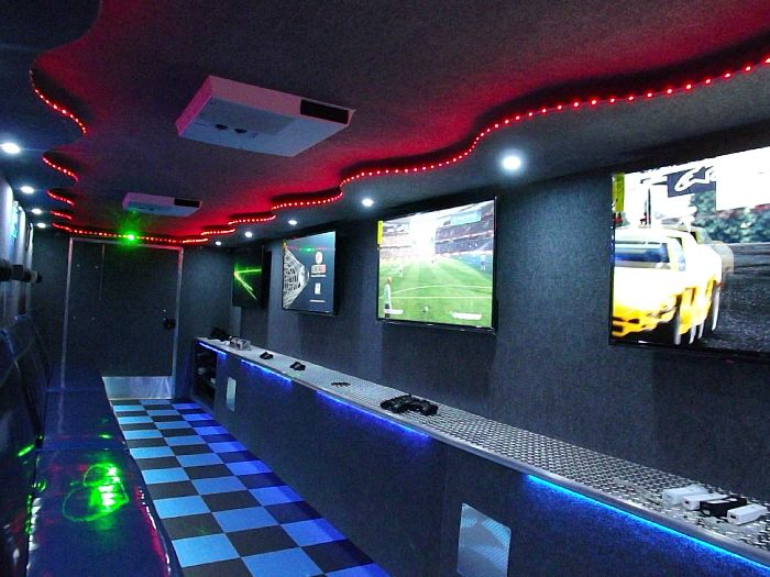 Mobile Gaming By Game Lounge Express Schoolvendors Com Video Game Room Design Game Room Decor Game Room Family
