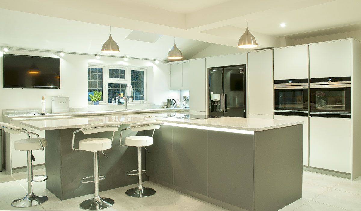 Best Satin Lacquer In Lava Grey And Light Grey With Quartz 400 x 300