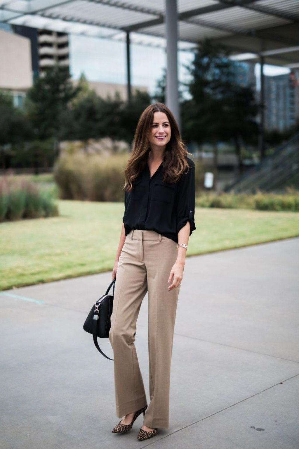 Women S Fashion For 40 Year Olds Topwomensfashionwebsites Work Outfits Women Summer Work Outfits Khaki Pants Outfit [ 1536 x 1024 Pixel ]