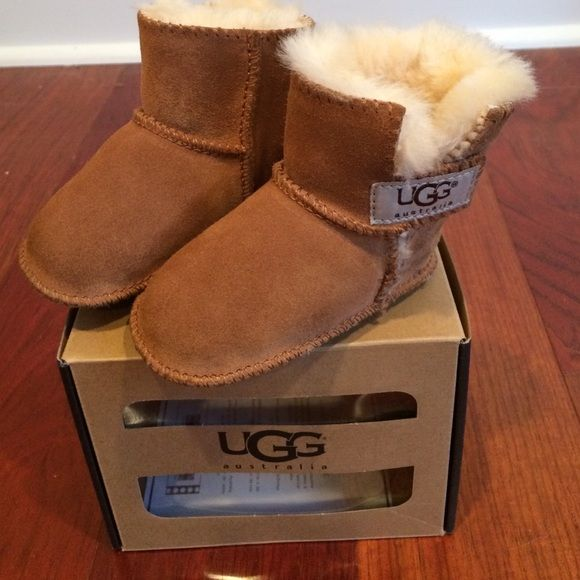 Infant UGG boots Infant UGG boots. Perfect condition. With box. Size is small:6-12months/ US sizes 2/3 UGG Shoes Winter & Rain Boots