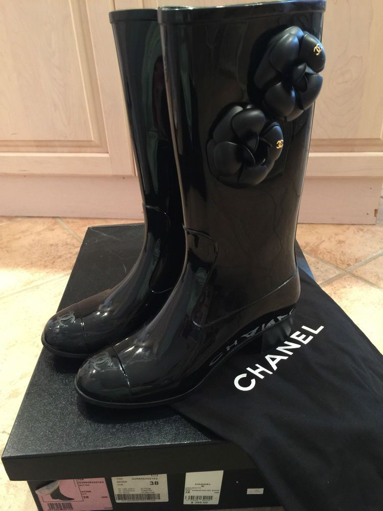 04d8b3c63 Chanel Black Camellia Rainboots Size : Euro:38 US:8 #CHANEL #Rainboots