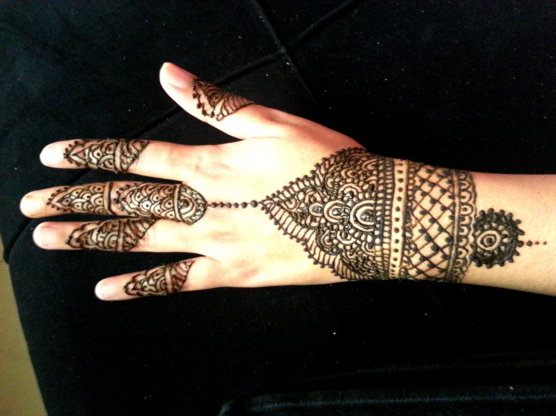 Henna Mehndi Nail Art : Simple wrist henna design indian arabic fusion mehendi nail