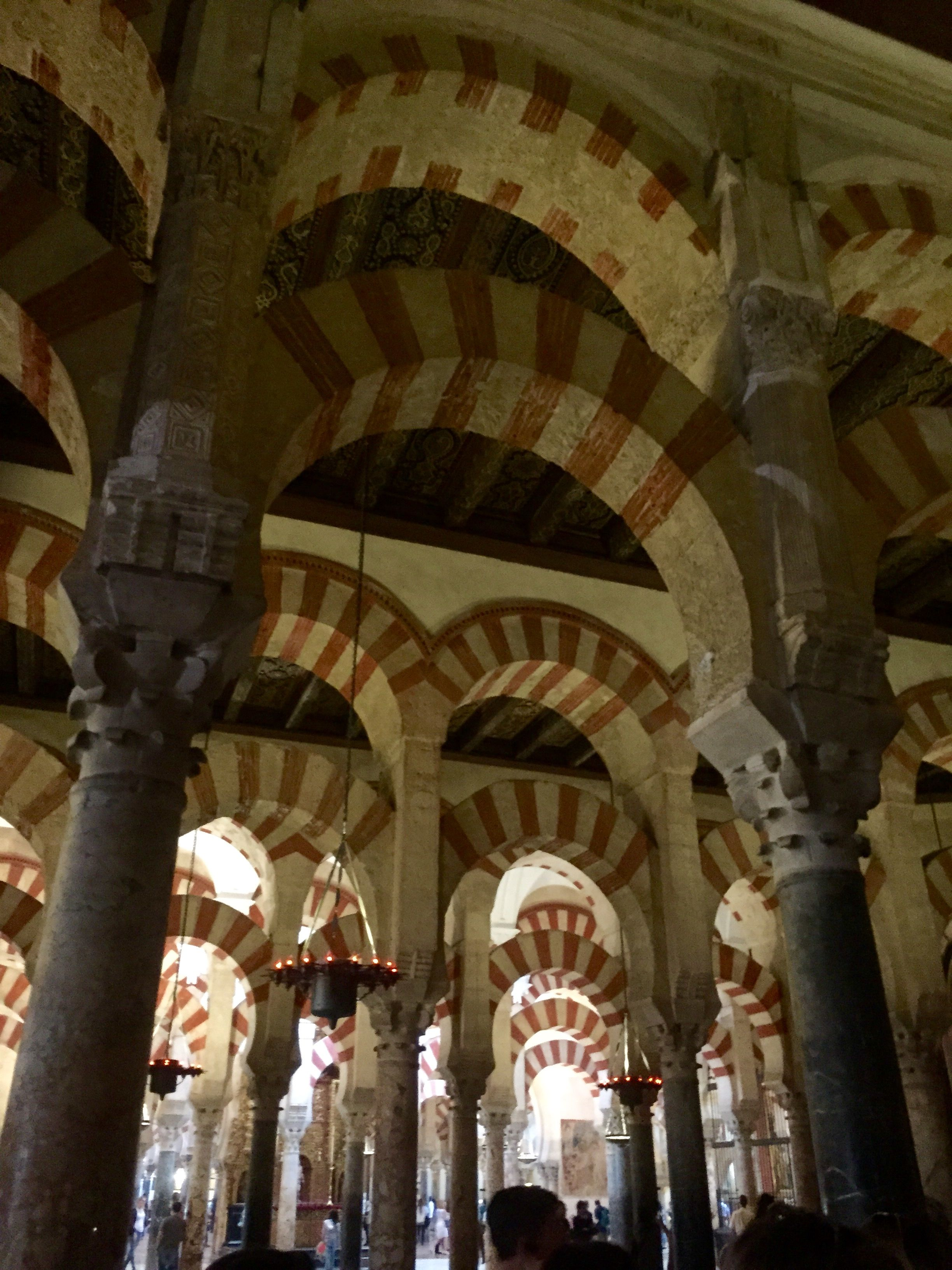 great mosque of c atilde sup rdoba gold detailing visual essay churches great mosque of catildesup3rdoba islamic arches and corinthian columns