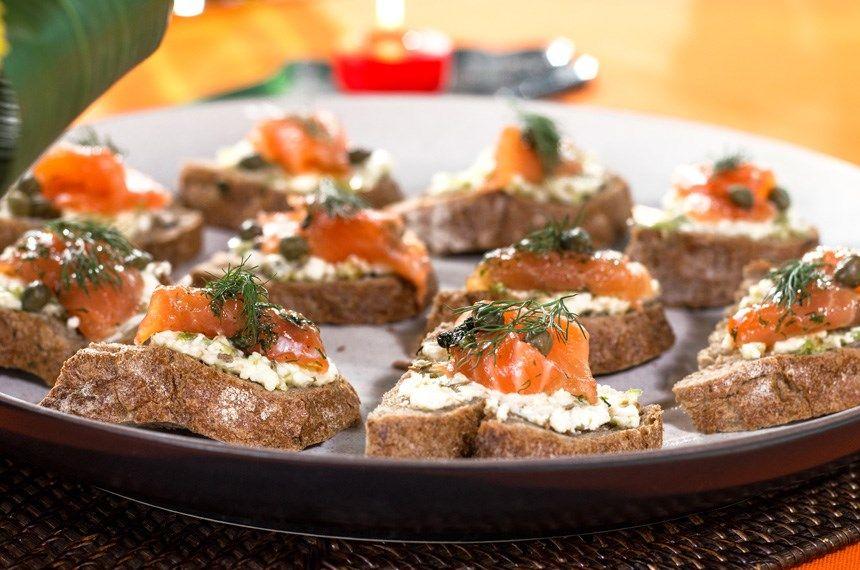 Somonlu ve Peynirli Kanepe | Atıştırmalıklar, Kanepeler ve ...