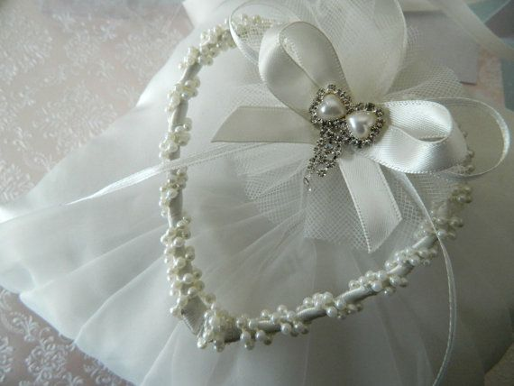HORSESHOE ALTERNATIVE  KEEPSAKE POUCH WHITE WEDDING PEARL TRIM BRIDAL CHARM
