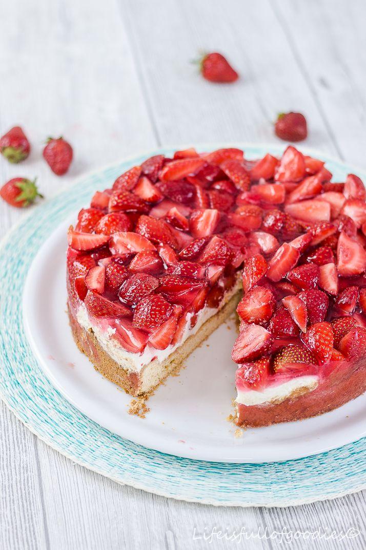 Erdbeerkuchen Mit Sahne Quarkcreme Life Is Full Of Goodies Rezept Erdbeerkuchen Erdbeerkuchen Rezept Erdbeer Kuchen