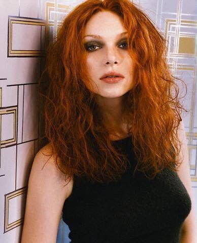 Insertado Laura Prepon Natural Red Hair Beauty