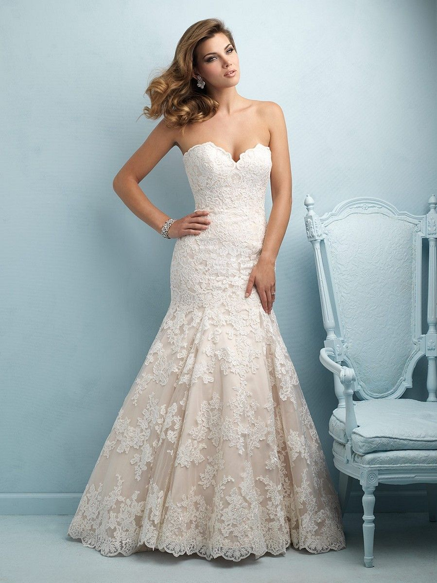 allure-bridals-9215-lace-wedding-dress-strapless-sweetheart-bust-fit-and- flare-chapel-train-mermaid-silhouette ef43421c1a65