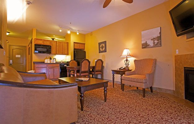 Hotel Rome Two Bedroom Unit Mt Olympus Water Theme Park Resort Wisconsin