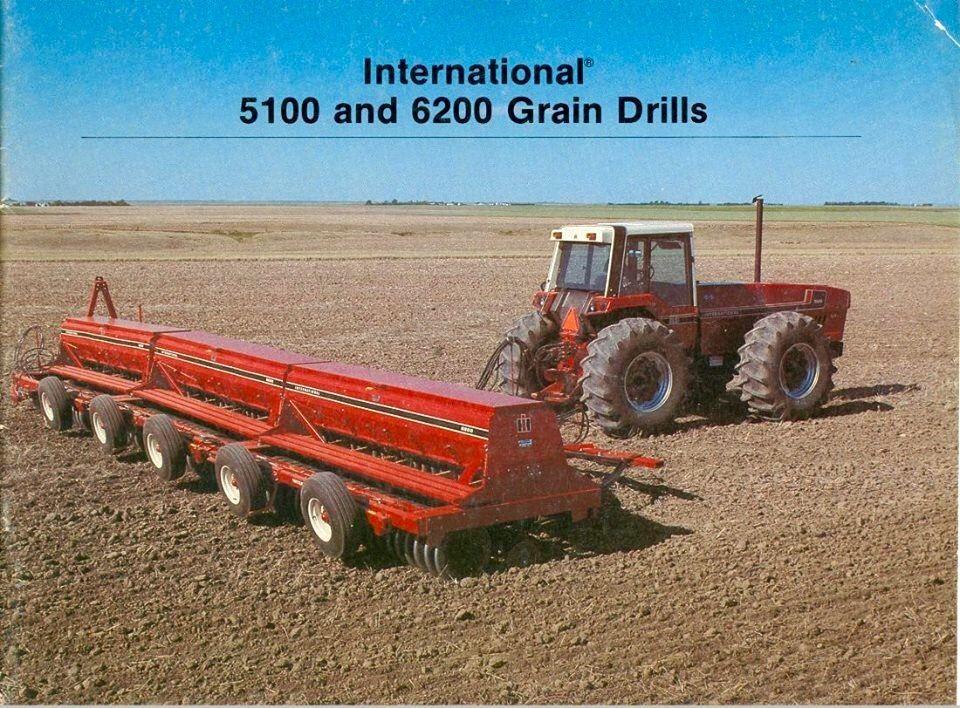 Ih 8100 And 8200 Grain Drills Farm Toy Display Old Tractors Tractors