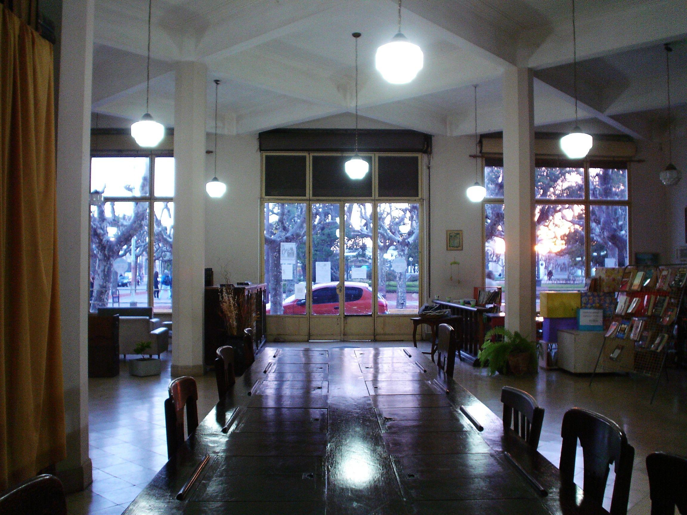 Atardecer de invierno desde Biblioteca Juan Francisco Ibarra - 25 de Mayo- Buenos Aires - Argentina