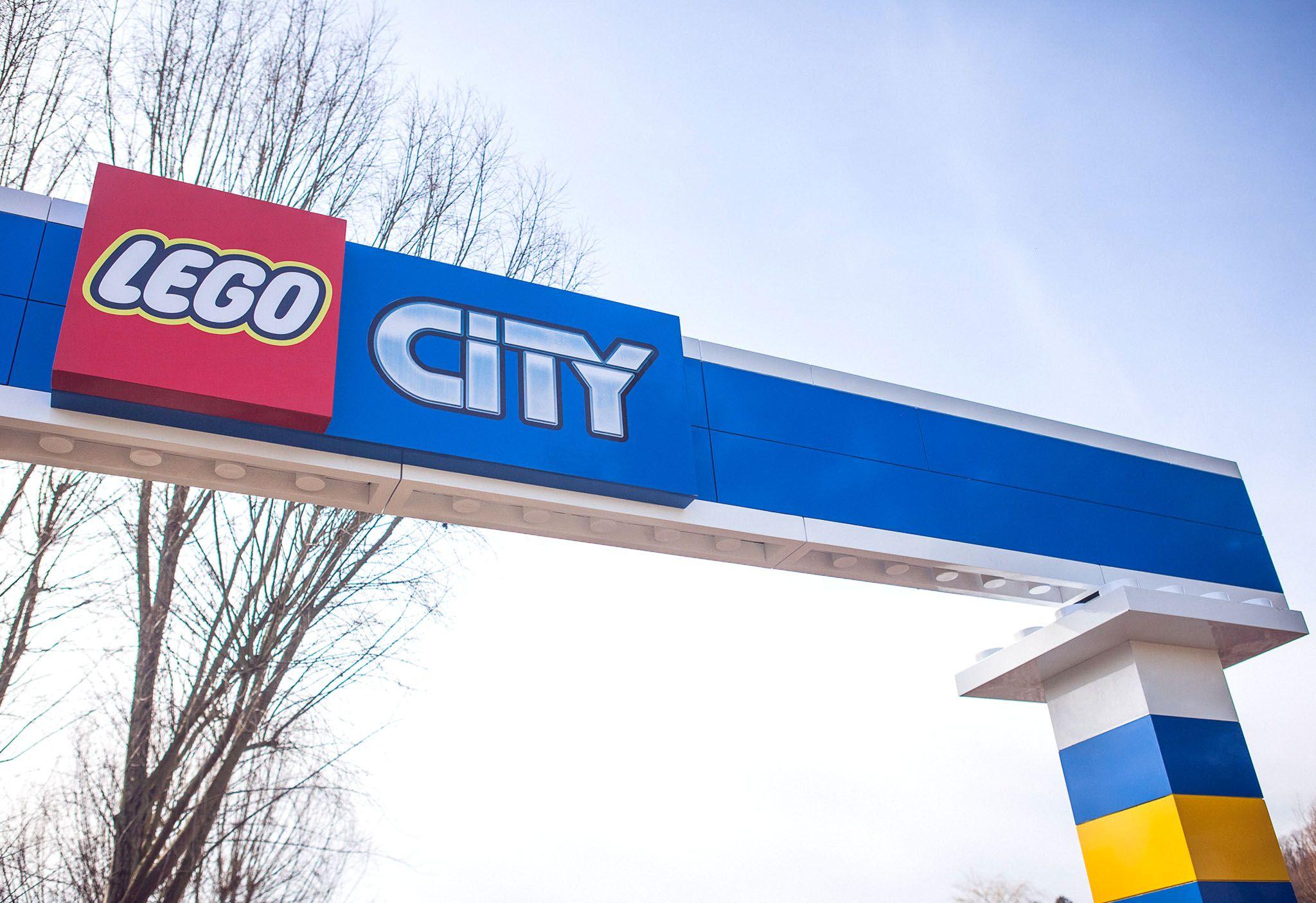 #LEGO CITY at #LEGOLAND #Windsor, #design, #theming, @scruffydogltd and #Merlin Magic Making