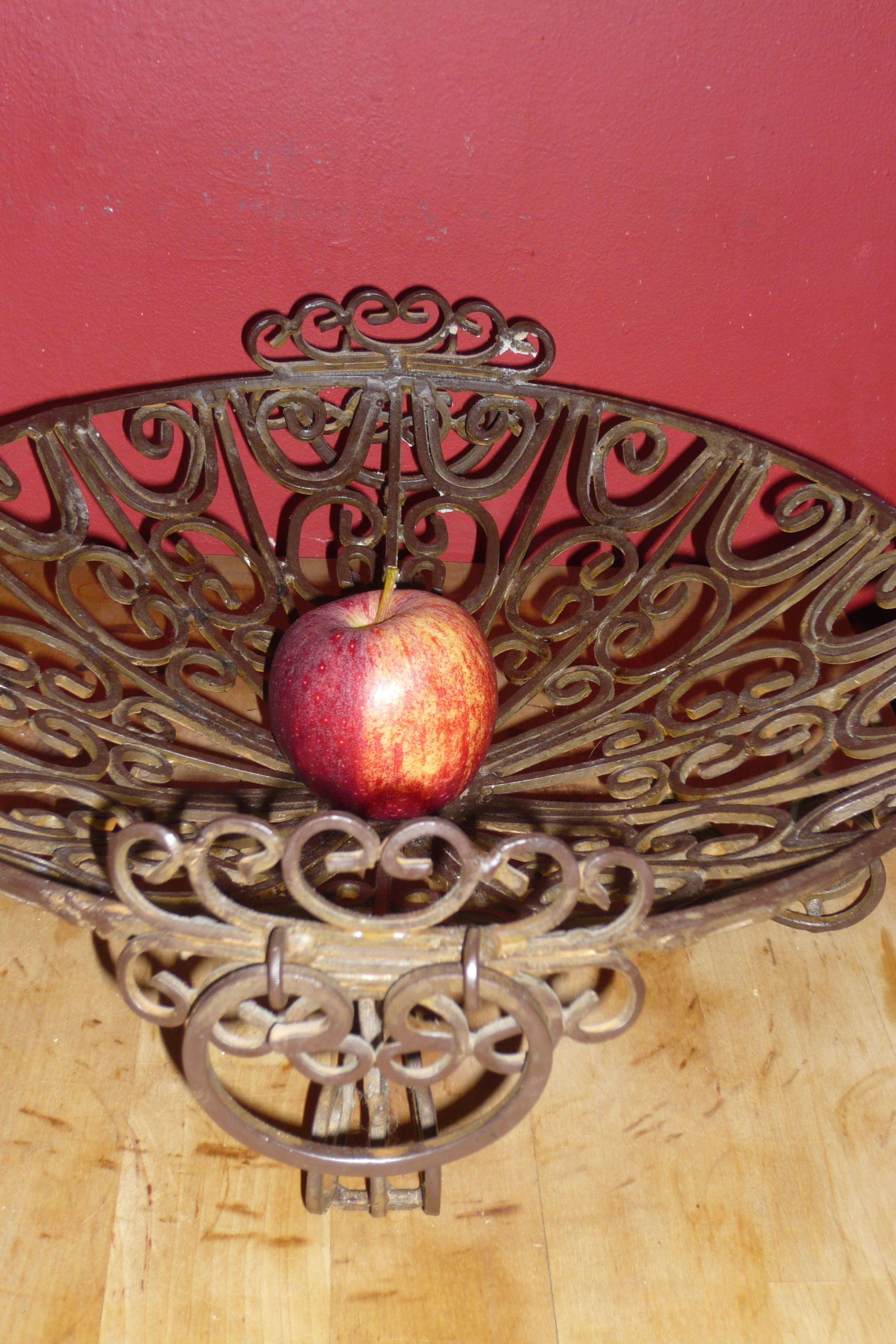 Brass fruit bowl.  I've run out of fruit as you can see, time to buy some more.  Another super cool Christmas present.