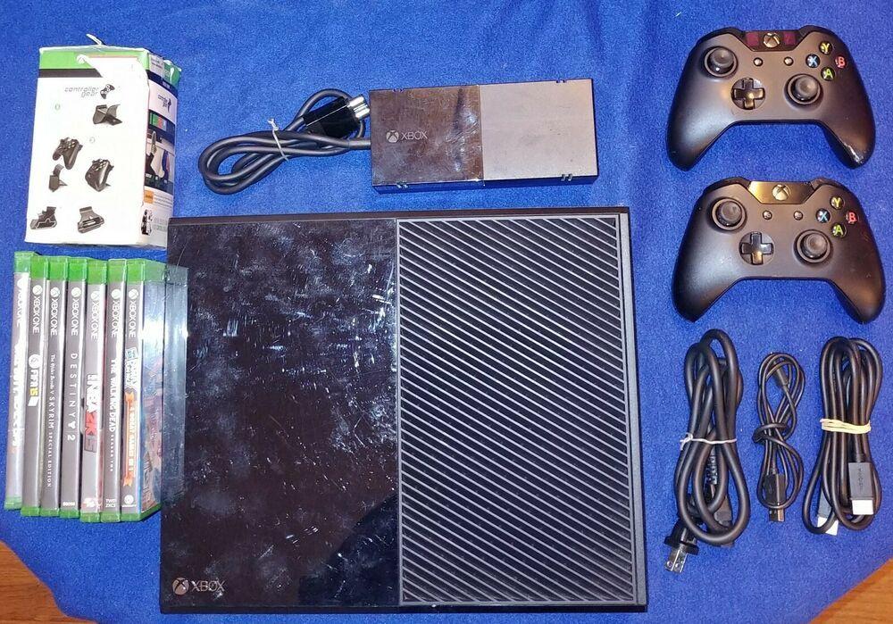 Xbox One Model 1540 500gb Hdd 2 Remotes 7 Games