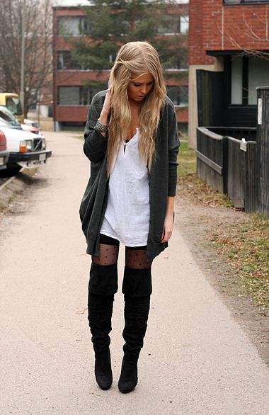 4dda0f9cf40 Cute tights with over the knee boots and shorts. Interested in some boots Black  Knee High Boots Outfit ...