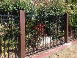 Image Result For Aluminium Fence With Timber Posts Metal Pool Pool Fence Aluminum Fence