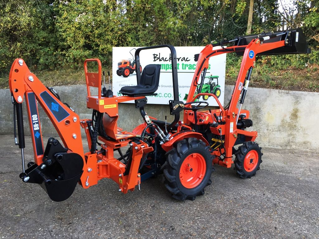 Kubota B7000 Compact Tractor with Loader & Bucket and Backhoe / Mini Digger  from Blacktrac Compact Tractors