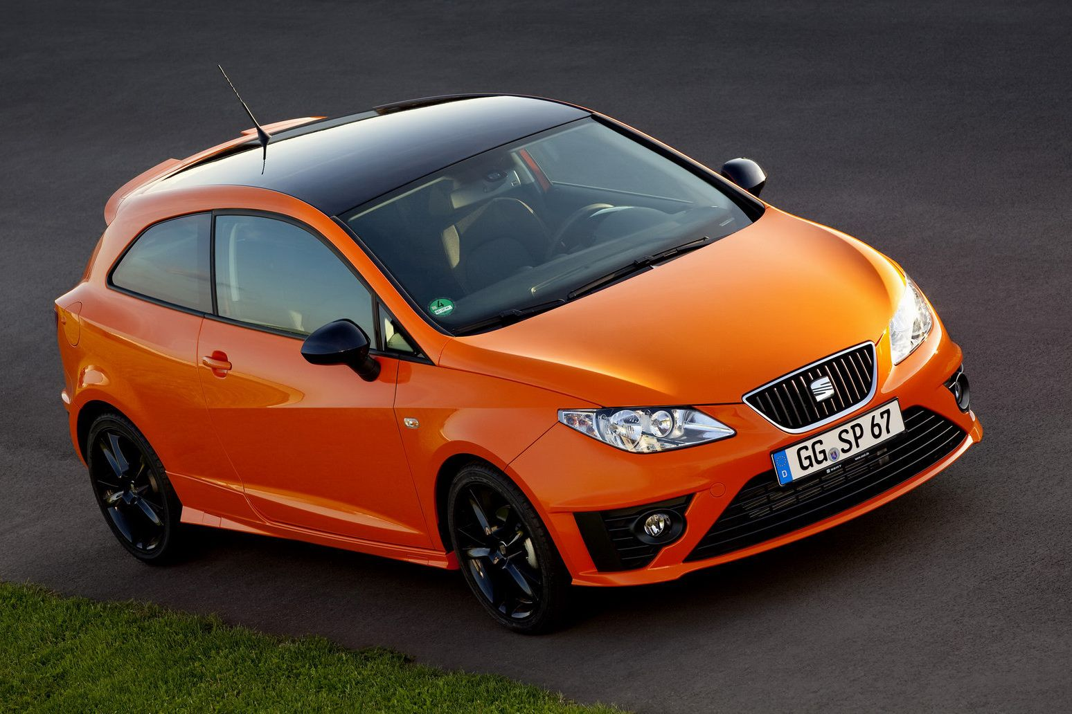 Seat Ibiza Sc Sport Limited Seat Ibiza Sc Sport Limited Bicolore - Sports cars with 5 seats