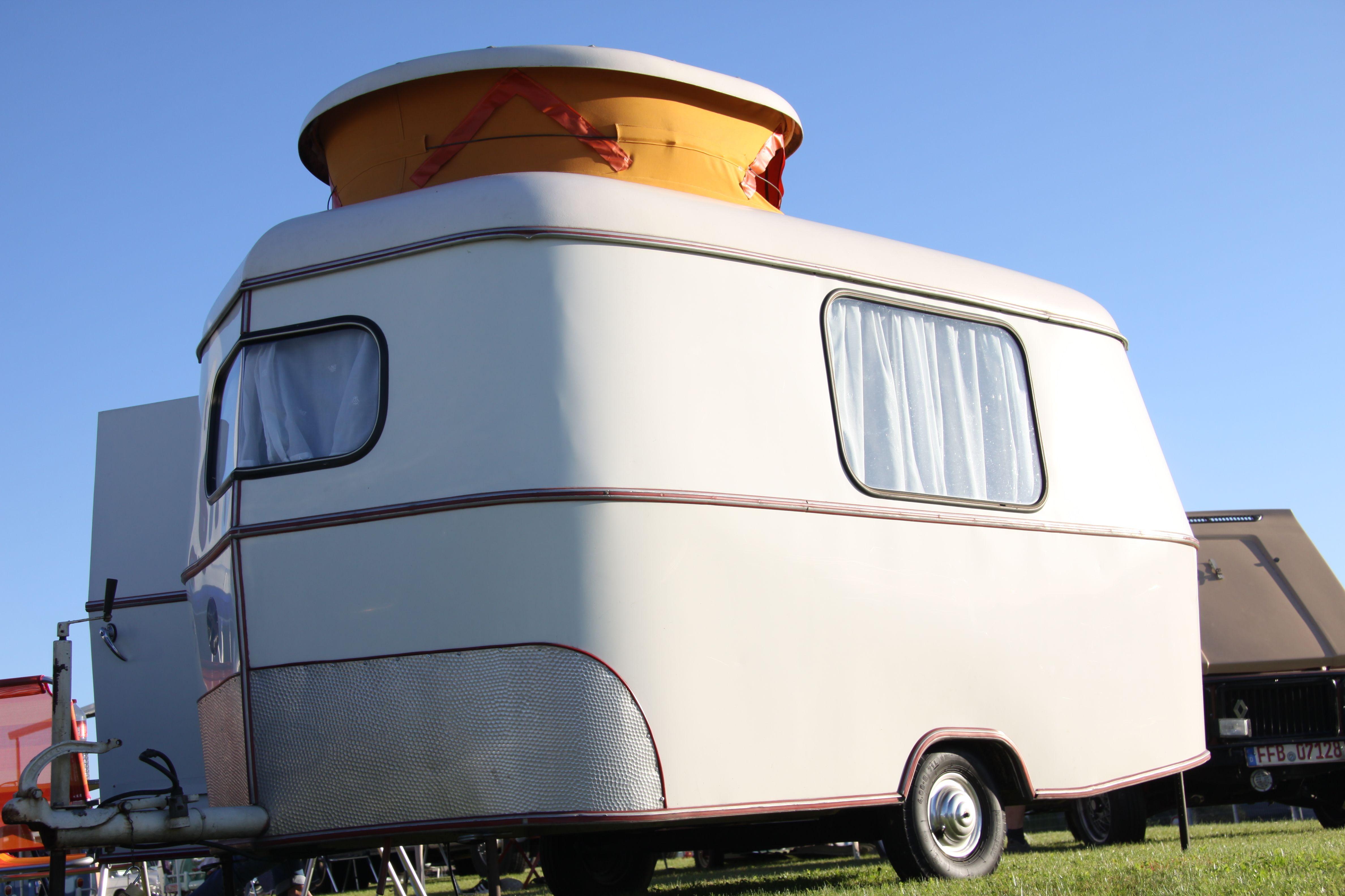 eriba puck oldtimer wohnwagen vintage. Black Bedroom Furniture Sets. Home Design Ideas