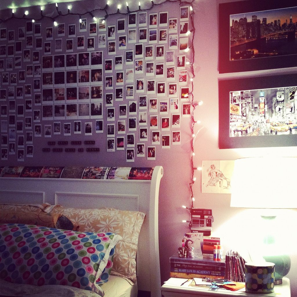 bedroom wall art inspiration // polaroids and string lights