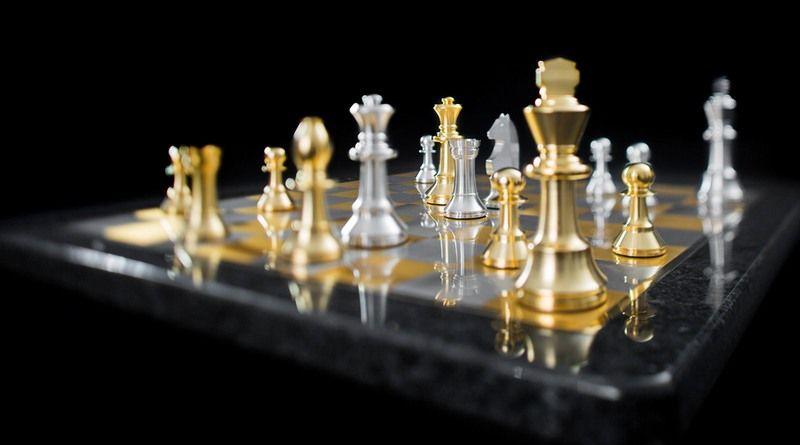 Jogo De Xadrez Com Pecas E Tabuleiro De Prata Banhada A Ouro Tabuleiro De Xadrez Xadrez Jogo De Xadrez