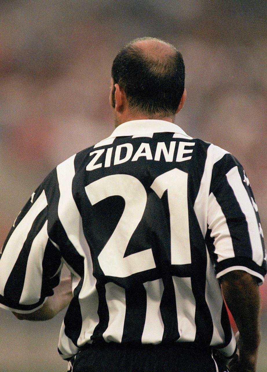quality design 923ca 0c7aa Zinedine 'Zizou' Zidane   Footballers!!!   Football players ...