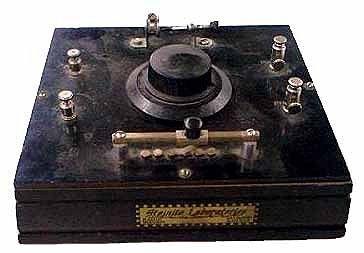 Steinite crystal radio, 1920s  (Photo: Peebles Originals) | Crystal