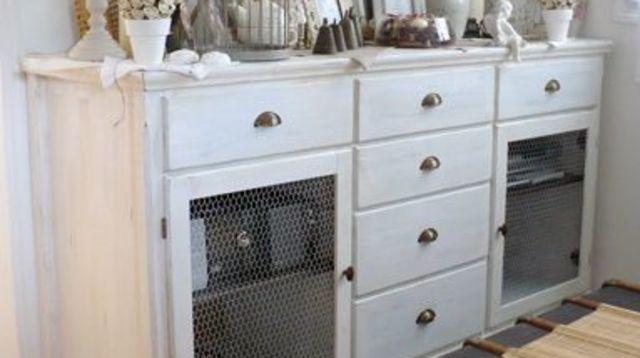 relooking c ruser un meuble basique meuble peint. Black Bedroom Furniture Sets. Home Design Ideas