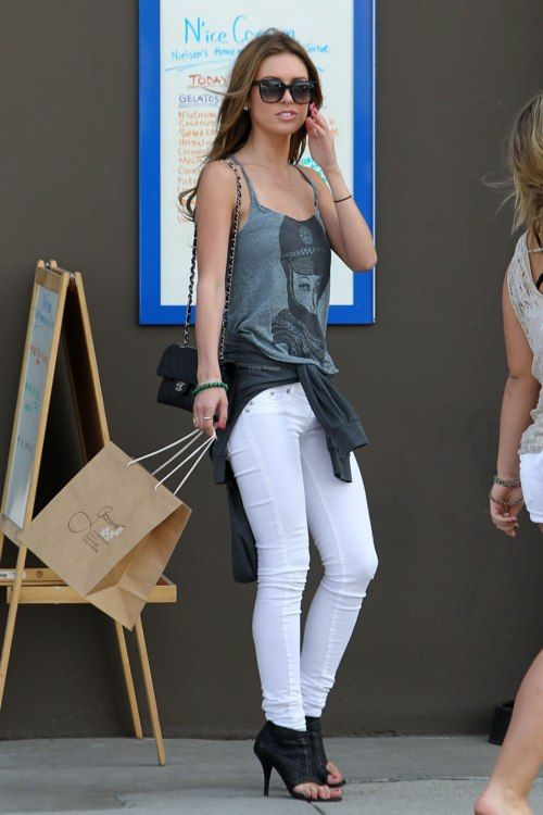 Audrina Patridge. Grey Tank, Channel Bag, Skinny White Jeans, and amazing heels.