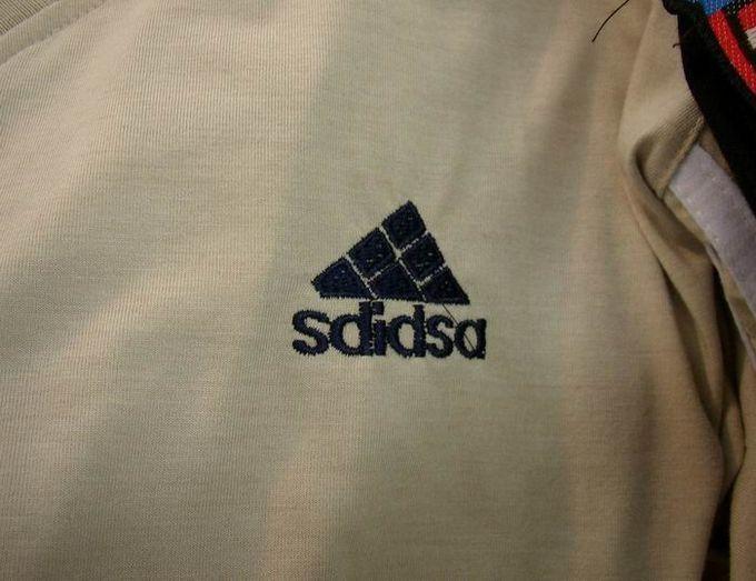Najnowsza duża obniżka klasyczny styl Adidas rip off At first, I was asking myself wtf is with the ...