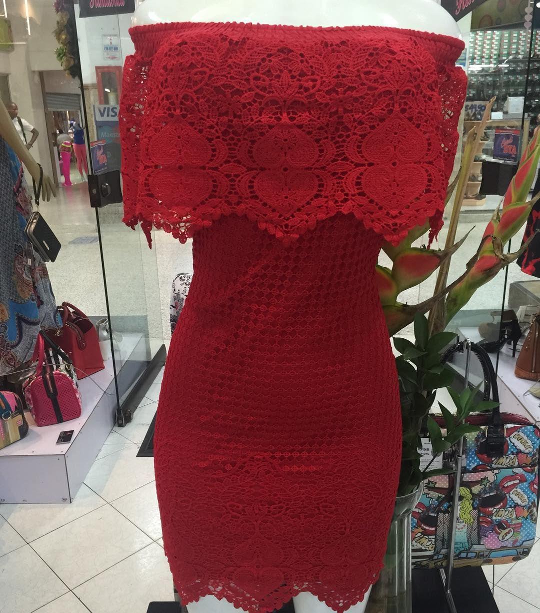 """5 Me gusta, 1 comentarios - FANTASTICA Boutique (@fantastica_boutique) en Instagram: """"Vestido campesino en encaje disponible negro, blanco y Rojo, todas las tallas en…"""""""
