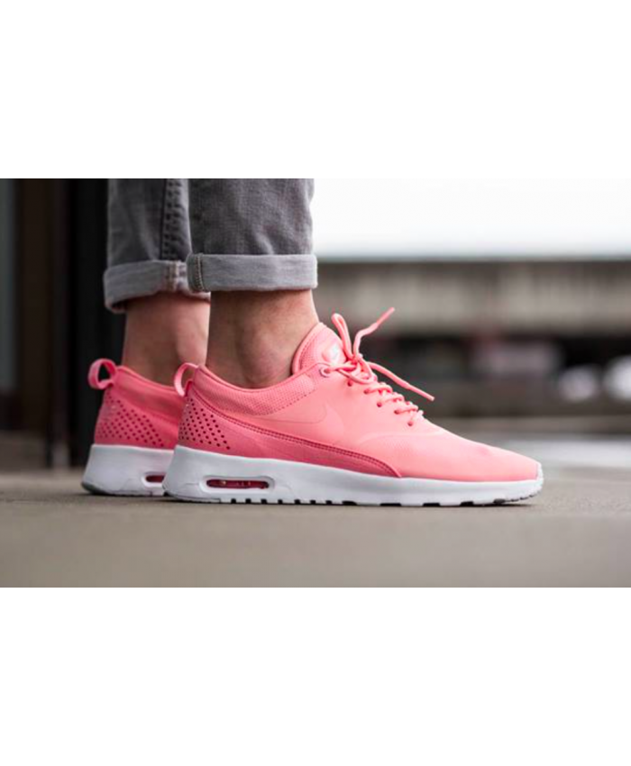 sports shoes 3456f 3d39c Chaussure Nike Air Max Thea Hyper Rose