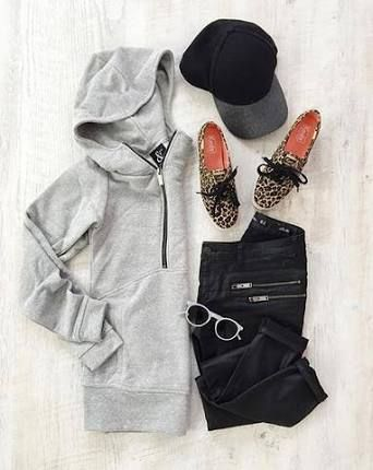 fb3c956b5b4 Image result for hoodie flat lay Casual Weekend Outfit