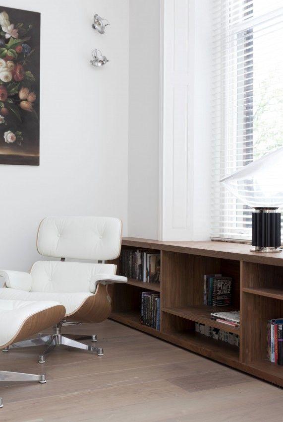 Rincón de lectura con mueble a medida bajo la ventana \u2022 Contemporary