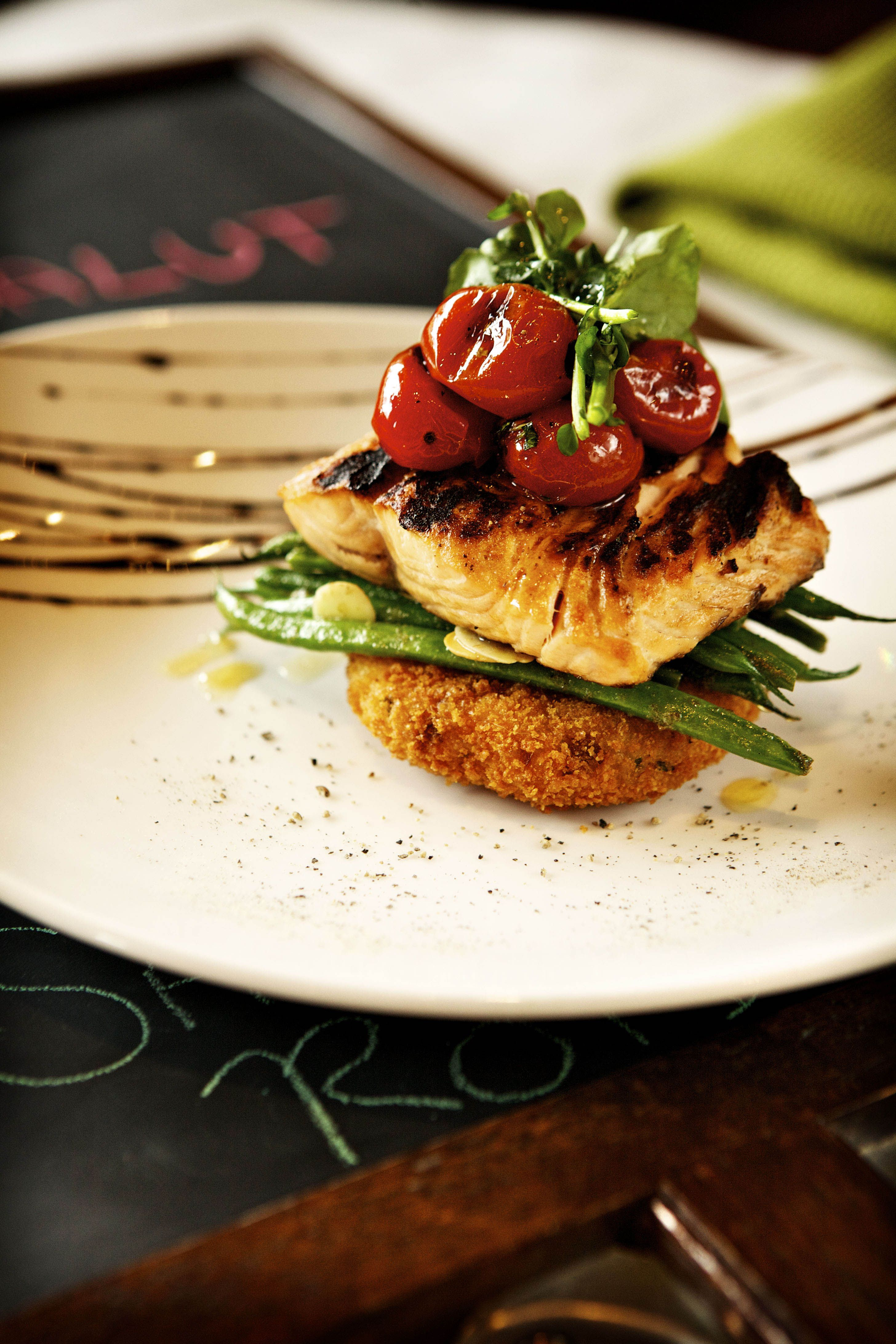 Salut is a warm and welcoming restaurant, with a bistro style menu that captures the freshness and hearty flavors of the French cuisine. They feature a full bar, sandwiches, burgers, brunch and beautiful desserts.