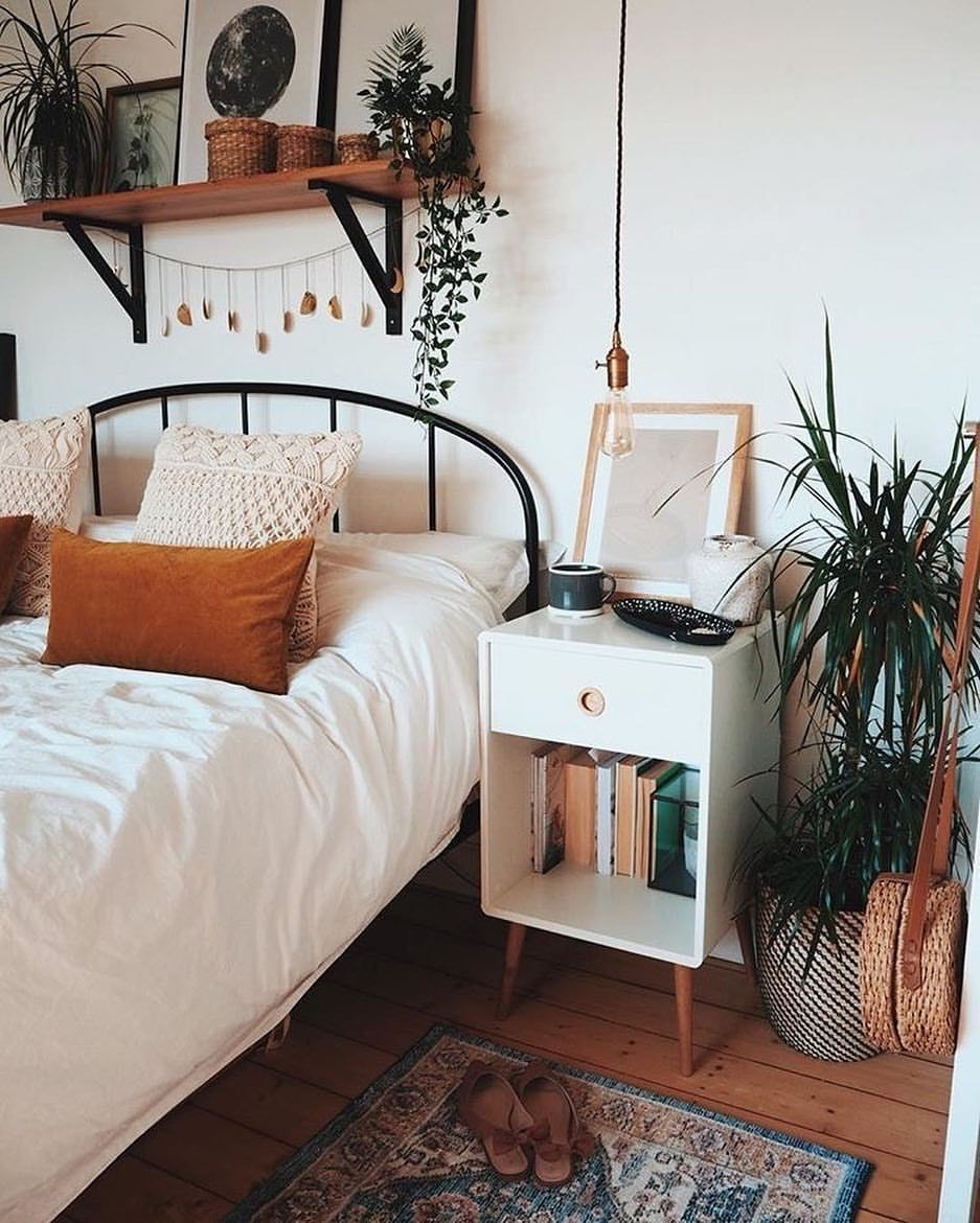 Unique Bedroom Ideas Preserving The Cozy Vibe In Style: Loving These Fall Vibes 🍂 Too Early? Or Couldn't Come Fast