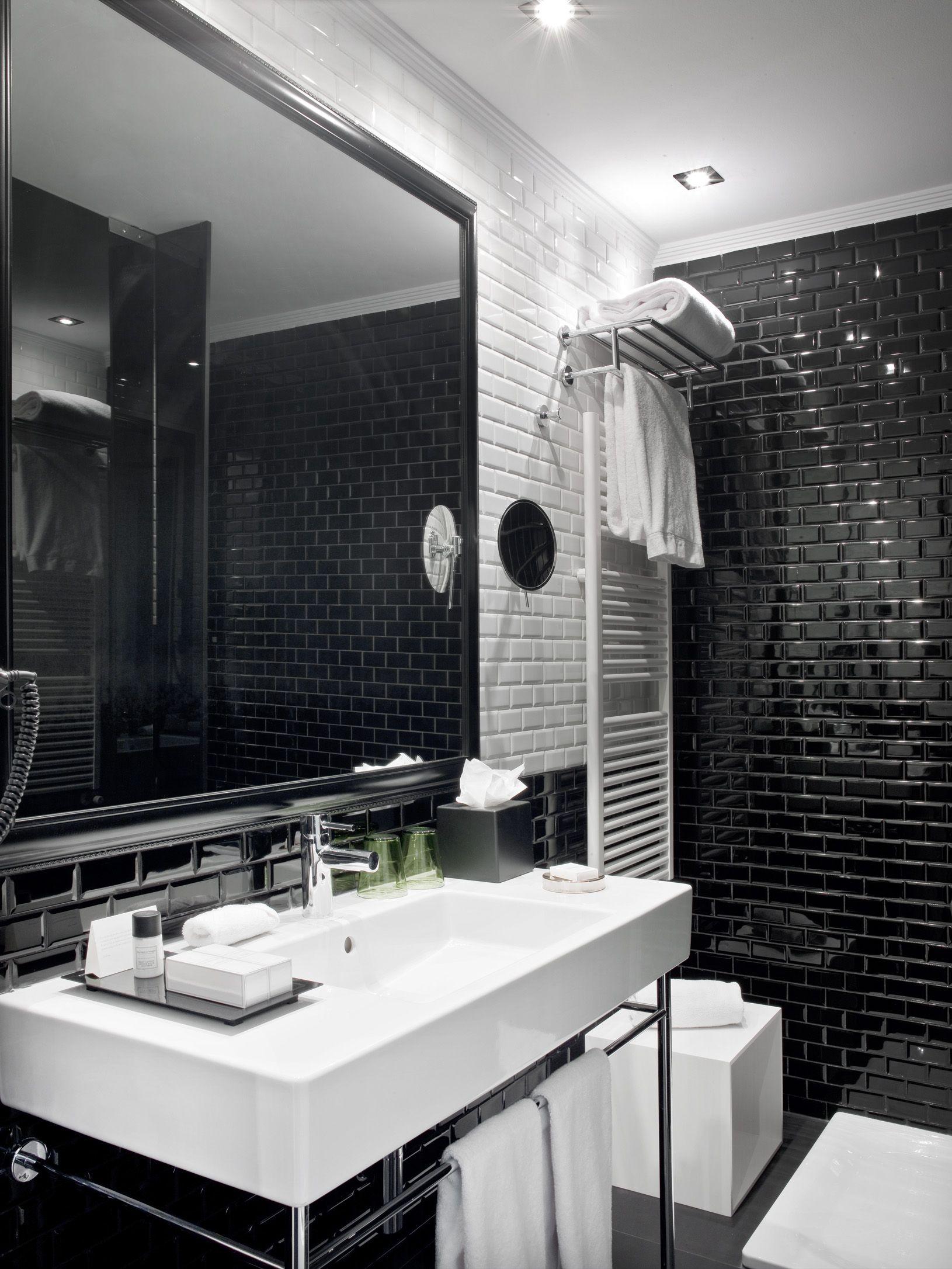 Badeinrichtung Berlin großer spiegel und waschbecken premium rooms in madrid the