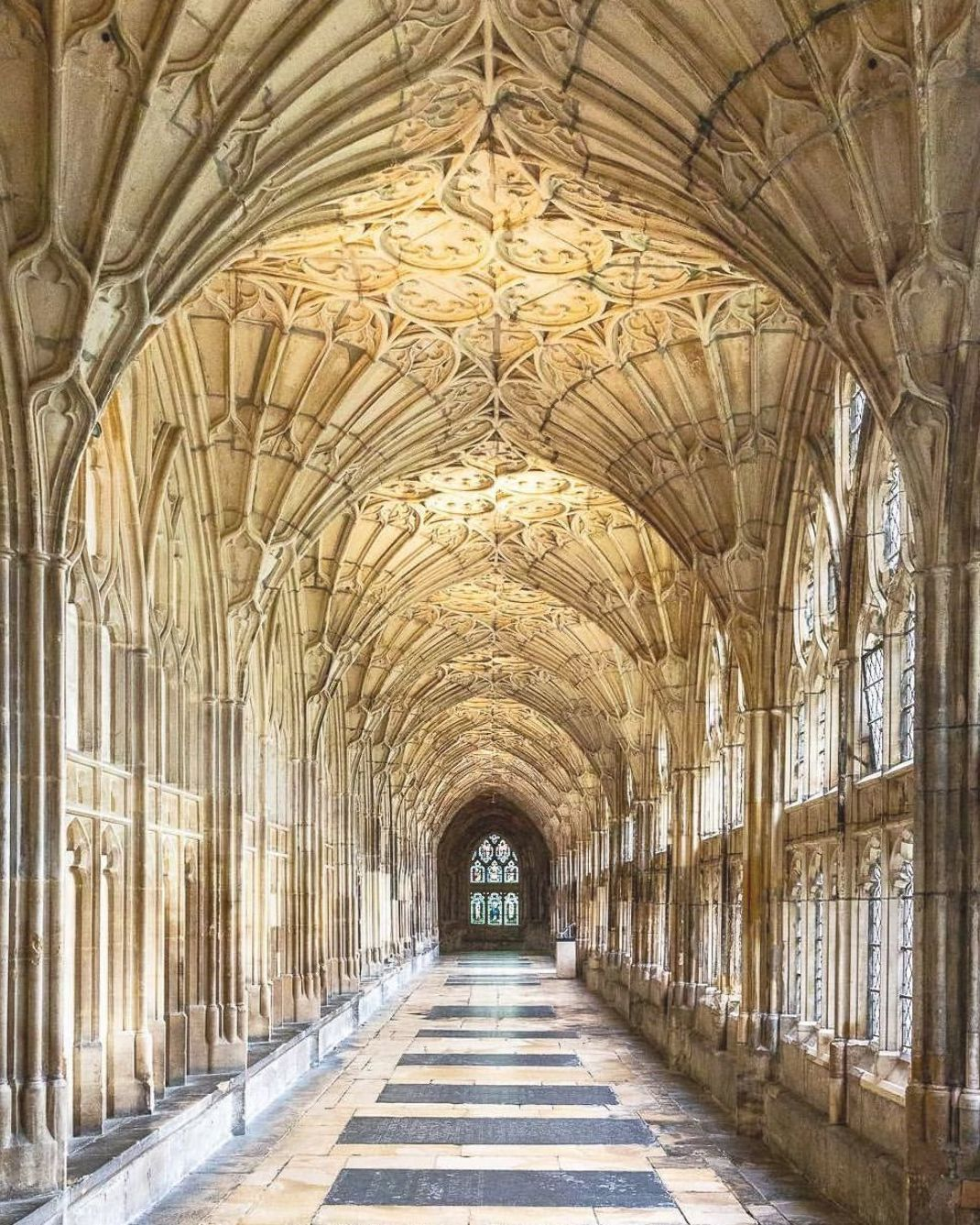 The Beautiful Cloisters In Gloucester Cathedral In England The Harry Potter Movies Were Filmed Here Click Th Gloucester Cathedral Cathedral Gothic Cathedrals