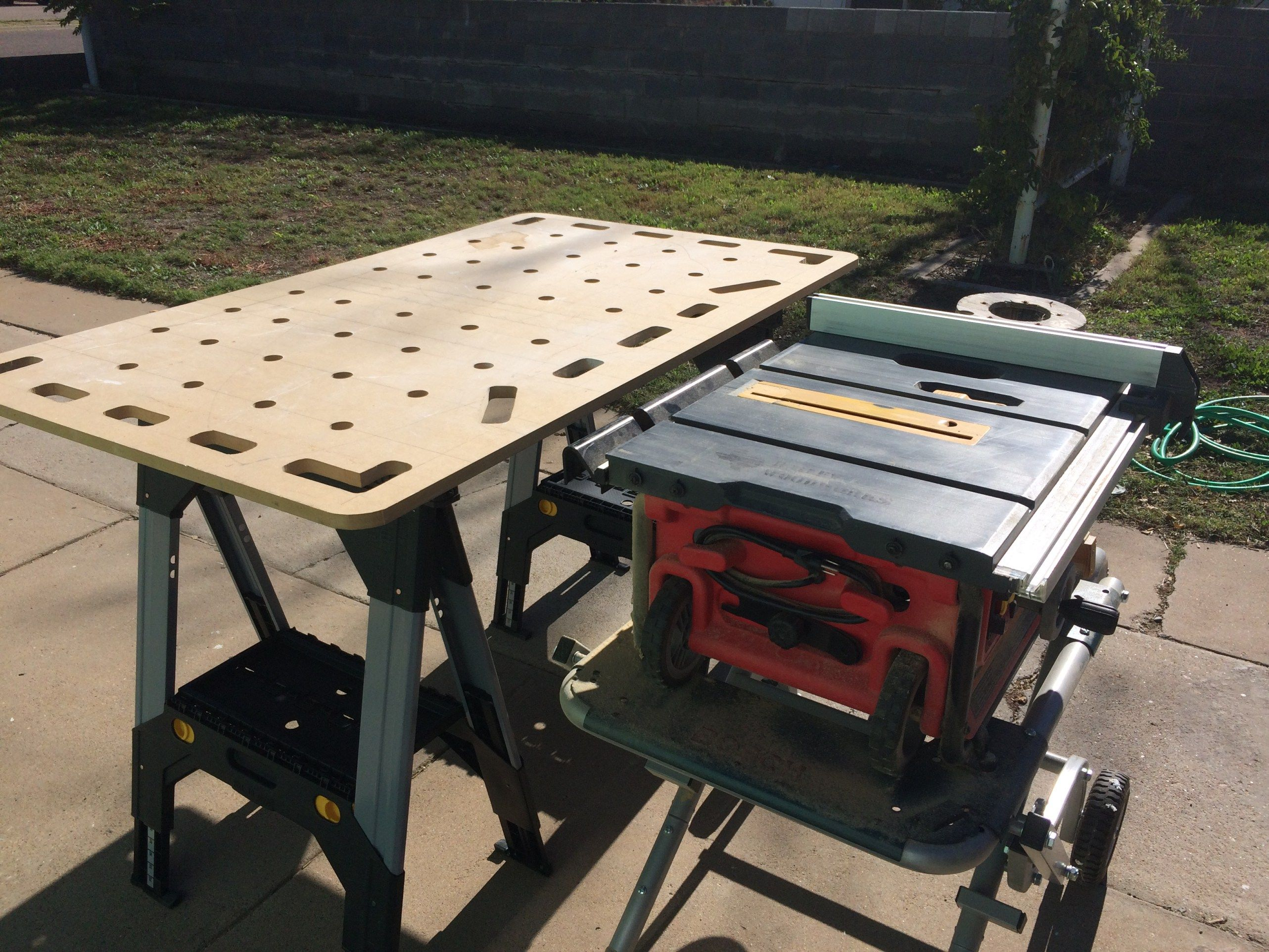 With Adjustable Height Saw Horses I M Able To Use The Mfslab As An Outfeed Table Portable Table Saw Table Saw Portable Work Table