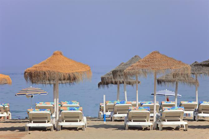 les 7 plages les plus embl matiques de fuengirola. Black Bedroom Furniture Sets. Home Design Ideas