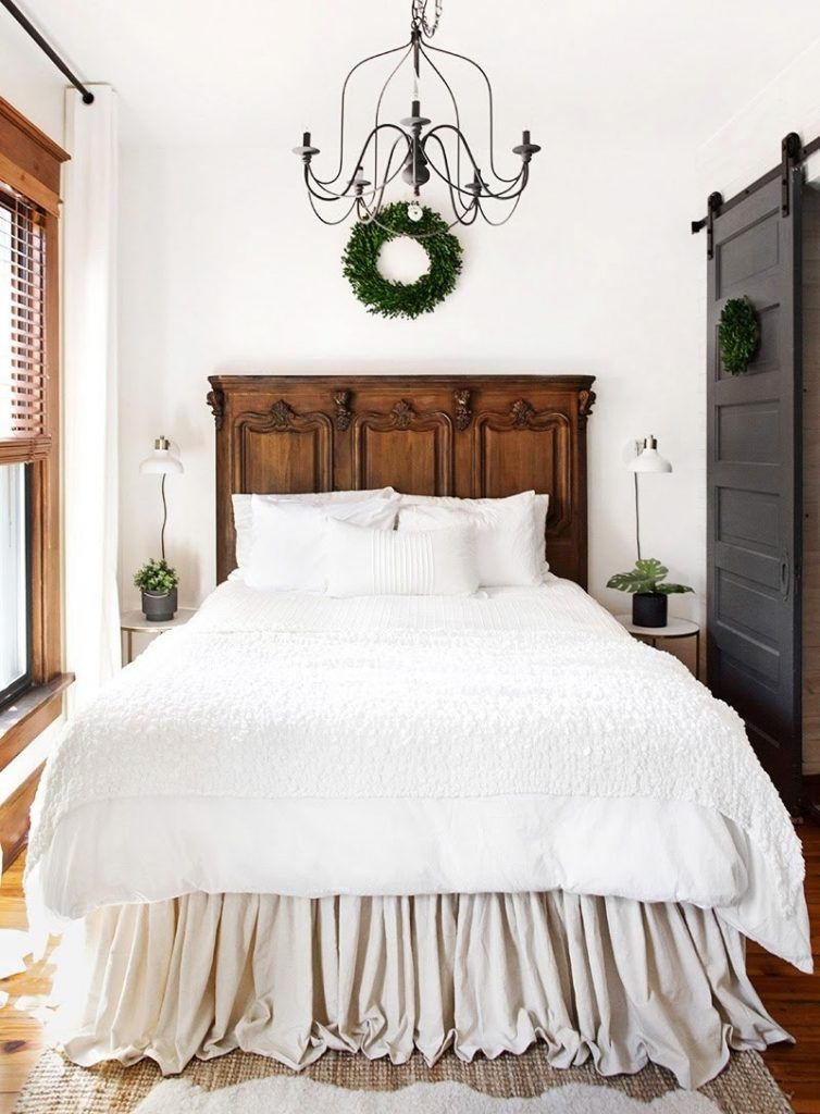10 Ultra Small Bedrooms With King Size Beds Master Bedrooms Decor Small Master Bedroom Farmhouse Style Master Bedroom