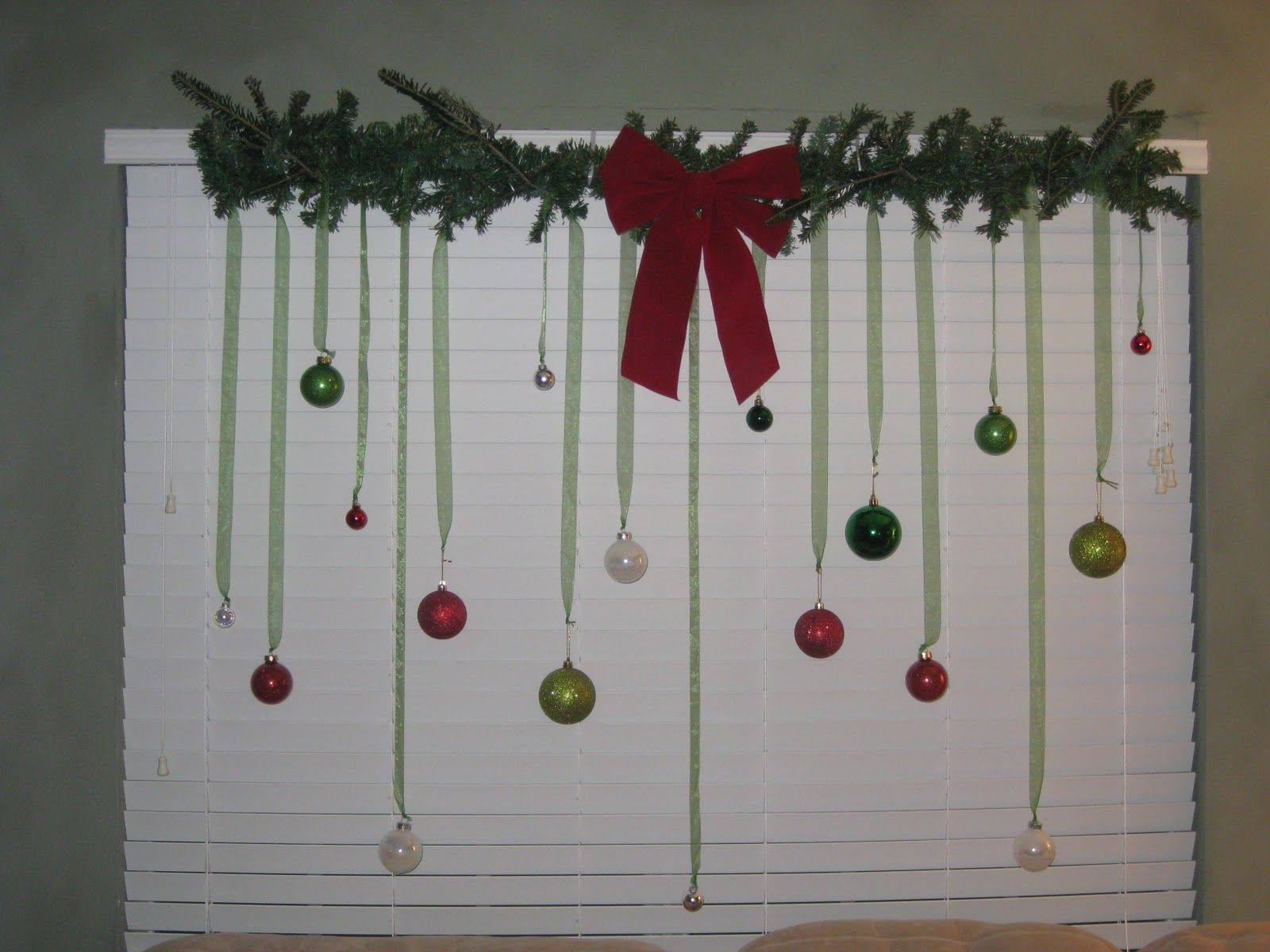 Weve Covered A Space Saving Christmas Decorating Ideas And Today Lets See What Small Tree You Can Take The Heat To Decorate Them In