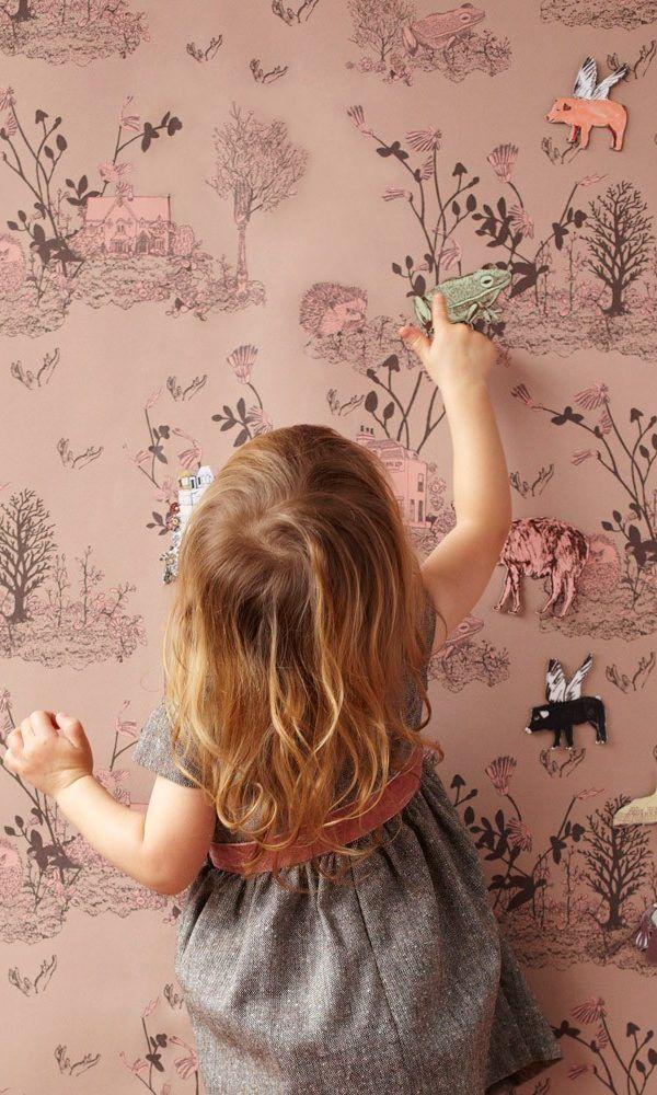 Papier-peint dans les tons roses pour une petite fille ou même pour une pièce à vivre à l'ambiance enchantée et féerique #papierpeint #enfant #child #children #rose #pink #robe #dress #girl #fillette