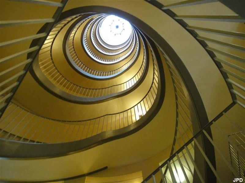 L\'escalier le plus insolite de Paris | Paris