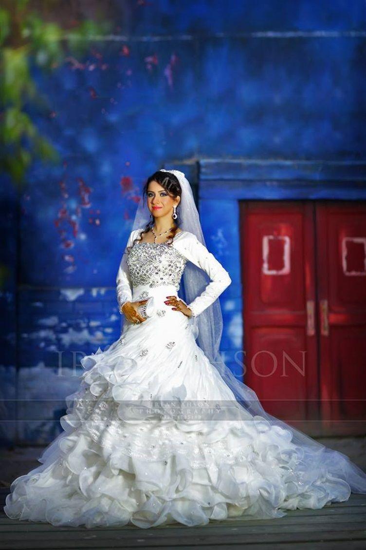 Irfan ahson travels for wedding photography - Pretty White Wedding Dress For A Pakistani Bride Irfan Ahson Photos