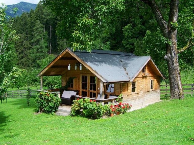 How To Live In A Small House With A Family Home Small Wooden