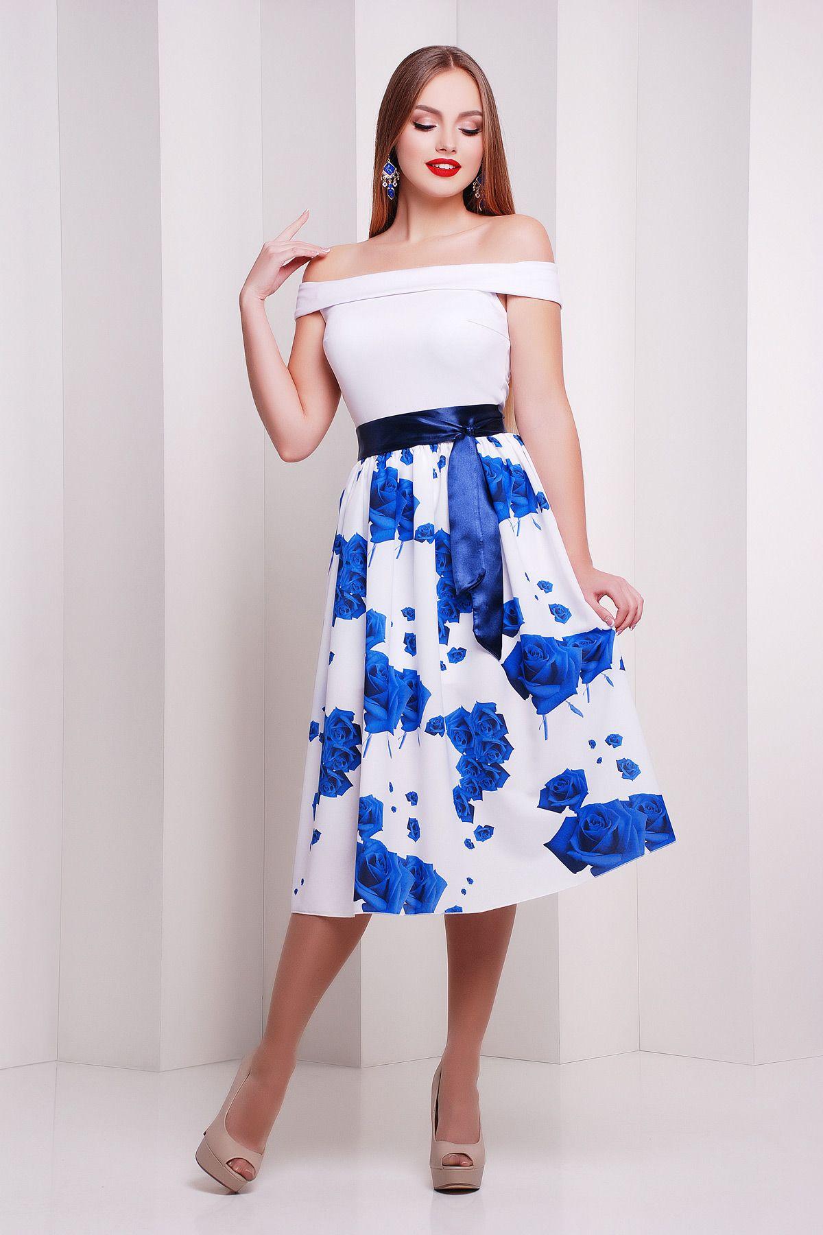 Красивое платье на сезон весна-лето с открытыми плечами и пышной юбкой.  Розы синие db6f61d830544