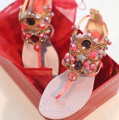 Lovely Girls Luxurious Diamond Decoration Sheepskin Flat Sandals From the Plus Size Fashion Community at www.VintageandCurvy.com