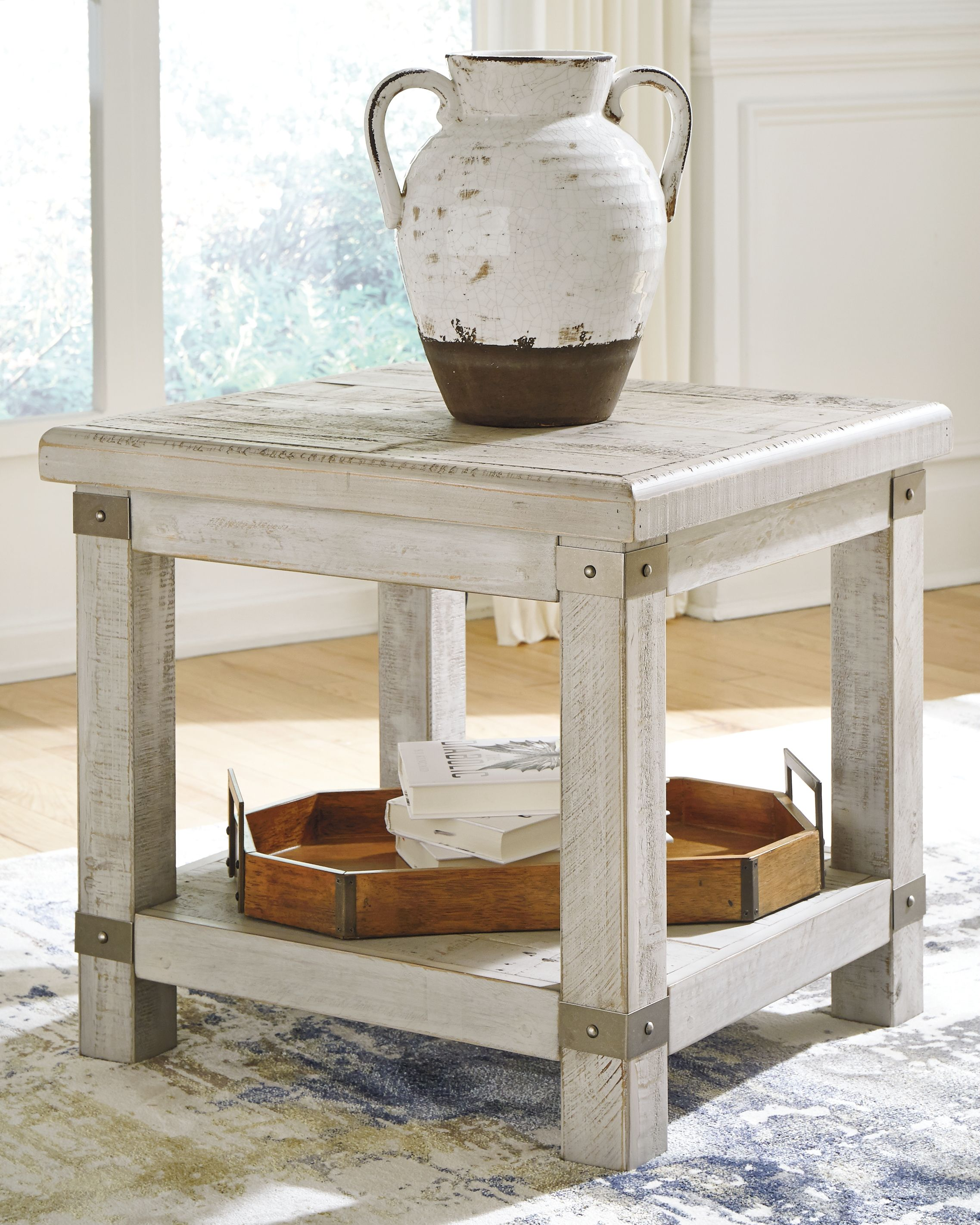 Best Carynhurst End Table White Wash Gray In 2020 End Tables 400 x 300